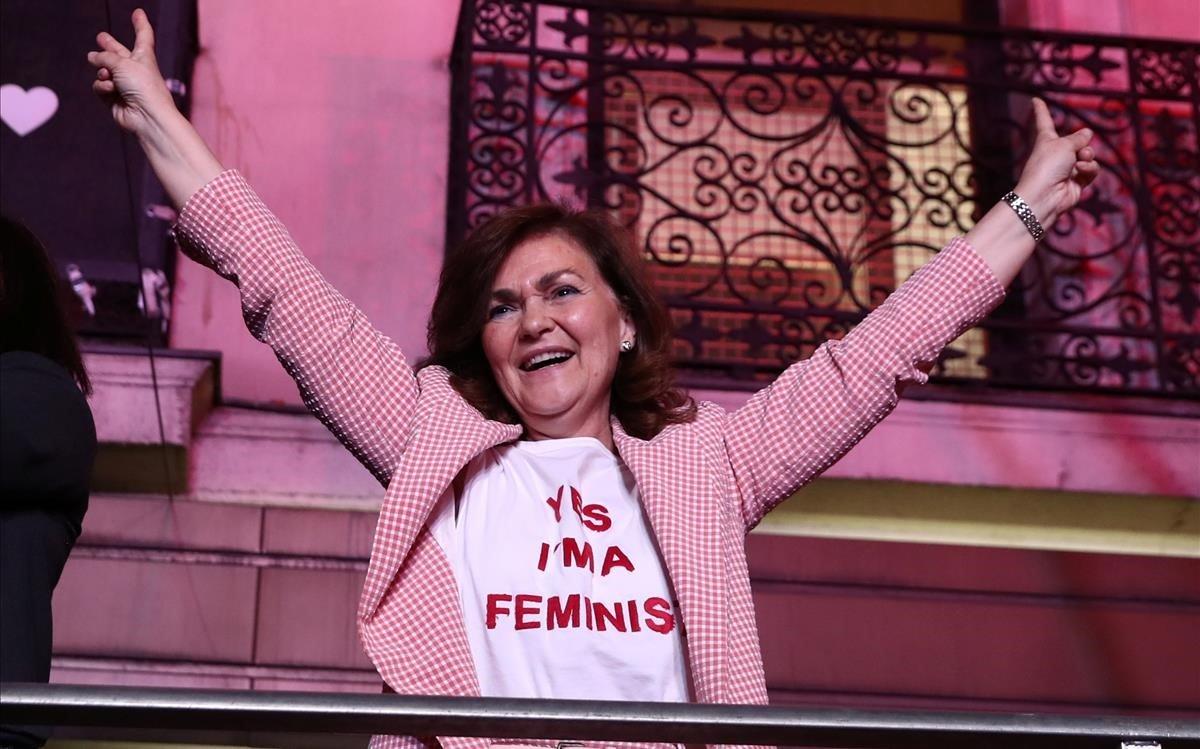 Camiseta feminista de Mango que vestía Carmen Calvo el día de las Elecciones. Autor: REUTERS / SERGIO PÉREZ